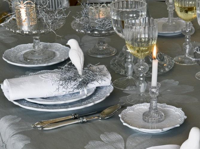 Winter Wonderland Table Settings Part - 43: Winter Wonderland Table Setting, Via Art Et Decoration As Seen On  Linenandlavender.net