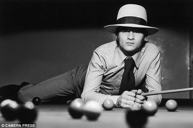 Snooker legend Alex Higgins rocking a classic hat. Forget 'country', this looks good anywhere!