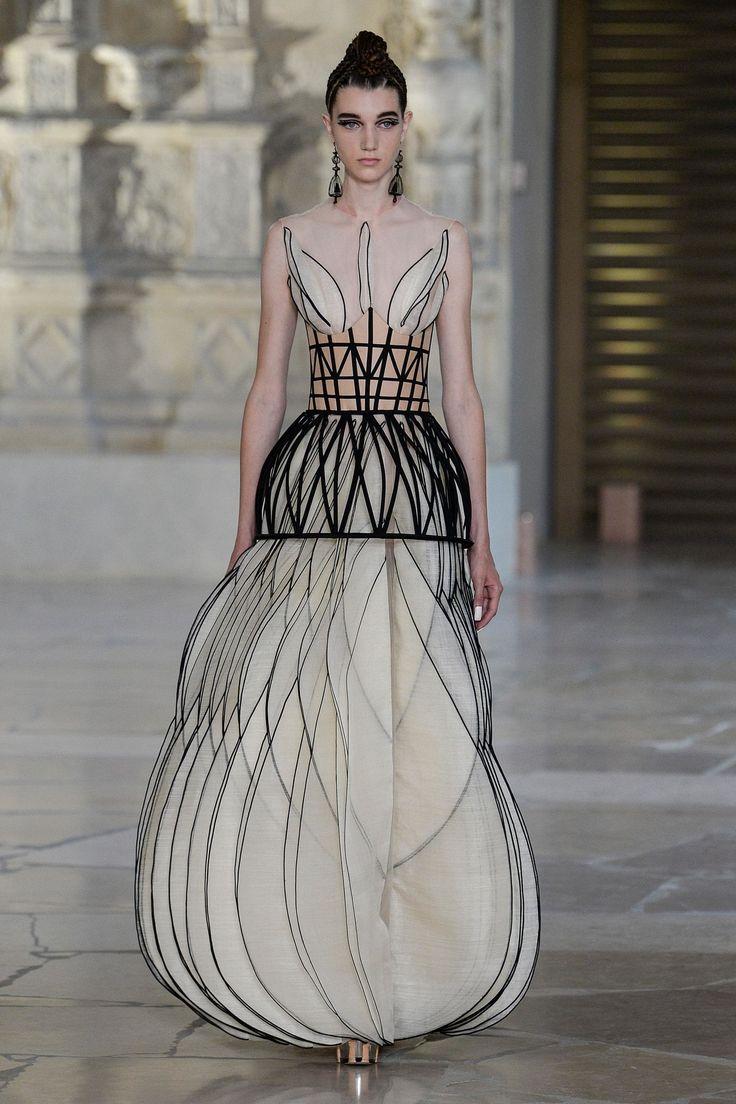 Guo Pei Modenschau Haute Couture Herbst-Winter 2018-2019 Frauen