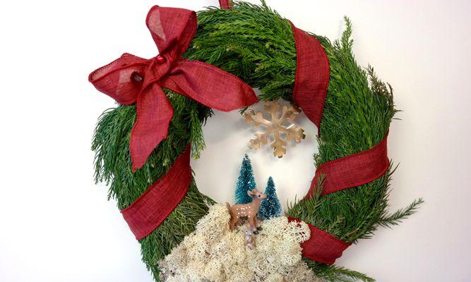 Gör en vacker granboll eller krans till jul! Karin Almström från Hemmafixarna visar hur du går tillväga.