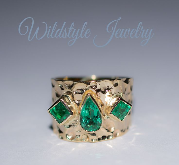 Colombian emerald pear shape custom ring. Designed by wildstylejewelry@gmail.com
