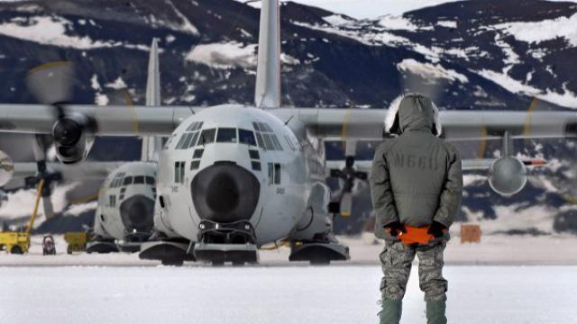 Υψηλά ποσοστά ραδιοενέργειας - Μαζική εκκένωση στην Ανταρκτική -video