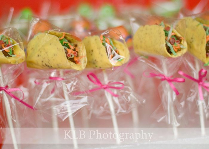 My lil' old taco cake pops featured in Bakerella's Pop Stars section of her web site - too cool!!