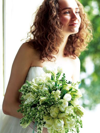 アトリエ アンダンテ Tulip<チューリップ> 可愛いけれどエレガント。大人の花嫁におすすめのチューリップブーケ