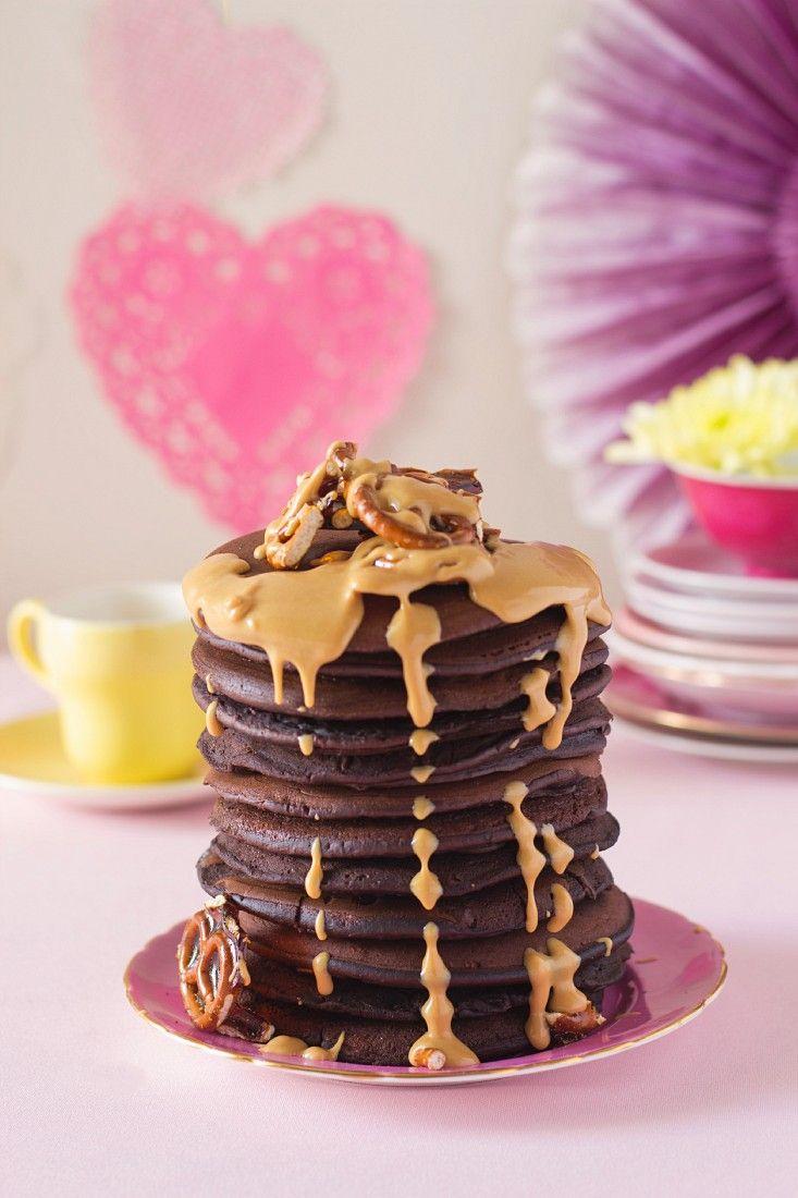 Schokoladenpfannkuchen mit Erdnussbutter | http://eatsmarter.de/rezepte/schokoladenpfannkuchen-mit-erdnussbutter