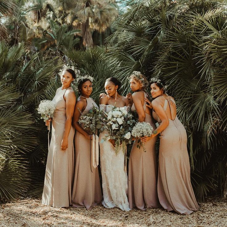 """174 gilla-markeringar, 6 kommentarer - destination wedding photog (@kaycideckerphoto) på Instagram: """"these foxy ladies (and their foxy counterparts) are featured over on @junebugweddings today  link…"""""""