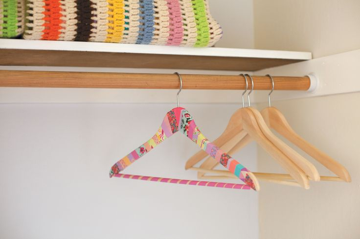 Goodbye plain, plastic hangers! We've already got the washi tape out to try this. ✿Teresa Restegui http://www.pinterest.com/teretegui/✿
