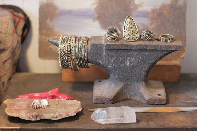 dream collective jewelry.  i have one of those wee little cuff bracelets.  i want more.  eek.
