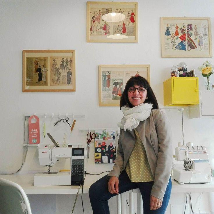 Il #casostudiohandmade è @theyellowpeg. Ho avuto il piacere di conoscere Simona quando sono stata a Verona per il workshop da @riot_clothing_space e sono passata a vedere il suo delizioso laboratorio.  Ti invito a guardare la sua gallery e poi rispondere a questa domanda: Cosa noti? (spoiler! Rispondo io alla domanda qui sotto) . . . . . . . . . . . Simona secondo me è stata molto brava a caratterizzare il suo brand e renderlo memorabile grazie a un aiuto visivo ovvero l'uso del GIALLO. Il…