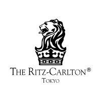 伝統的なアフタヌーンティーセットや厳選された世界の茶葉によるティセレクションが、優雅な午後をお届けします。「ザ・リッツ・カールトン東京」ならではのシグネチャードリンクをお楽しみいただく夜は、生演奏とともに時の経つのも忘れておくつろぎください。  -プ アフタヌーンティー 2015/8/22 (土) 14:00~16:006,500円      上記の日程、ザ・ロビーラウンジでは、いつもの週末とは少し趣を変え、ハ-プ演奏者を迎えての、 一際華やかなアフタヌーンティーをお楽しみいただきます。     海老、グヮカモレのタルトレット     胡瓜を巻いたサーモンリエット イクラ添え     2種トマトのカプレーゼ     パルマ産生ハムとアスパラガスのクレープ包み     卵、サマートリュフとスモークチキンのサンドウィッチ     レモンスコーン レーズンスコーン クロッテッドクリーム     チェリーピスタチオクリーム     プラリネエクレア     マカロン     ラズベリームース サブレブルトン     ザ・リッツ・カールトン東京オリジナル ブレンド…