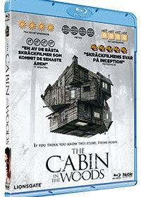 Recension av Cabin in the Woods. Skräck av Joss Whedon och Drew Goddard med Kristen Connolly, Chris Hemsworth, Anna Hutchison, Fran Kanz och Jesse Williams.