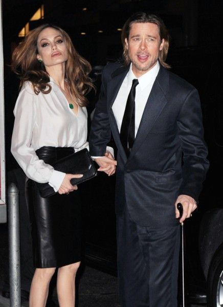 Angelina Jolie, Brad Pitt Wedding On Hold, Is The Bride Getting Cold Feet?