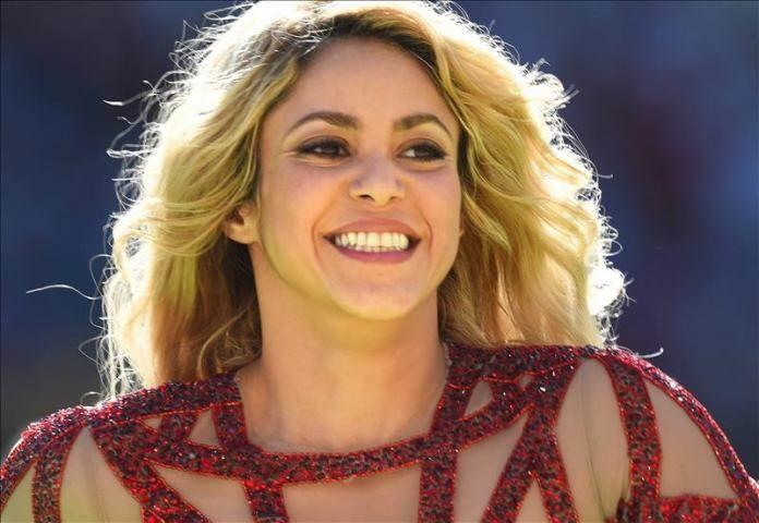 Shakira Santana Y Gloria Estefan Cantaran Una Cancion Contra Trump Http Www Elperiodicodeutah Com 2015 09 Alfombra R Shakira Shakira Young Childhood Photos