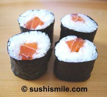 Simple recipes for Maki Sushi: Maki Salmon Roll and tutorial how to make Maki Rolls  *** I'M HAVING THESE TONIGHT! ***