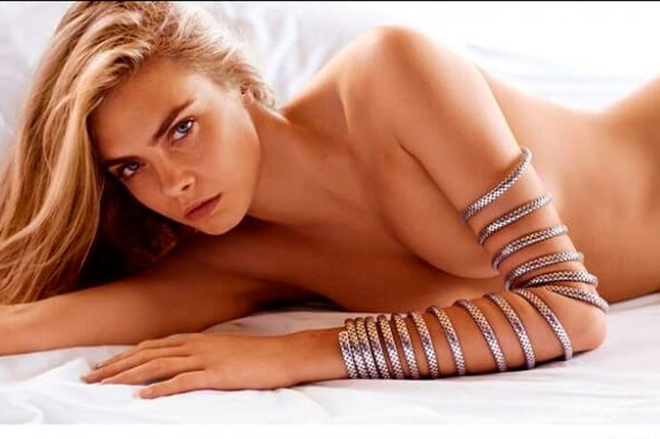 Sexy Match : Cara Delevingne, ses plus belles photos