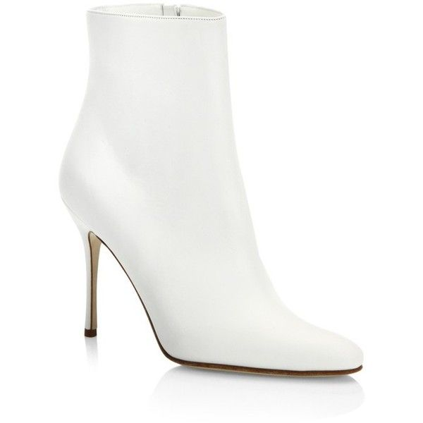 Manolo Blahnik Insopo 105 Leather Booties (3.980 RON) ❤ liked on Polyvore featuring shoes, boots, ankle booties, ankle-boots, white, ankle bootie boots, short leather boots, short boots, white bootie boots and white booties