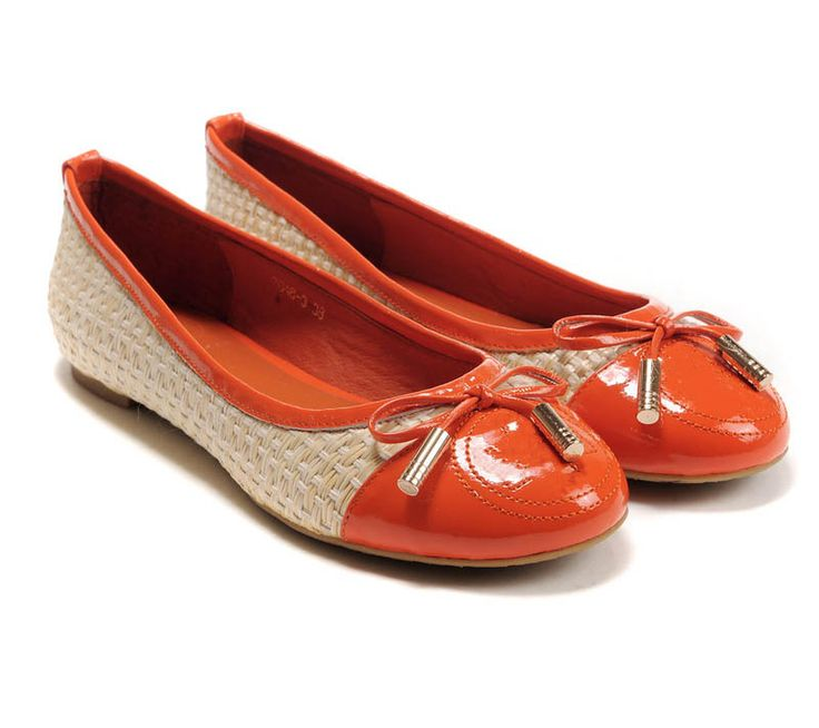 Tory Burch Straw Jacinth Flat,Straw with a orange patent leather capped  toe, fashion design for summer. Weave your way through the weekend with  this flat.