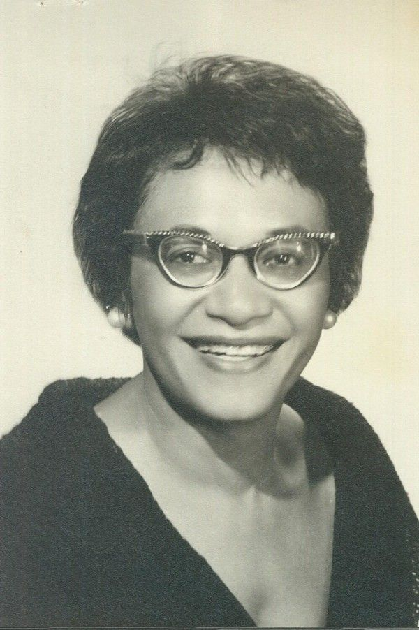 Black #Cosmopolitan The 14th National President of Delta Sigma Theta Was Just Honored With a Statue in St. Louis   #DeltaSigmaTheta, #FrankieMuseFreeman, #NationalPan-HellenicCouncil, #Nationality, #Structure, #UnitedStates         American civil rights attorney, the first woman to be appointed to the United States Commission on Civil Rights, and the 14th National President of Delta Sigma Theta Sorority, Inc,. Frankie Muse Freeman, Esquire was honored with a bronze statue