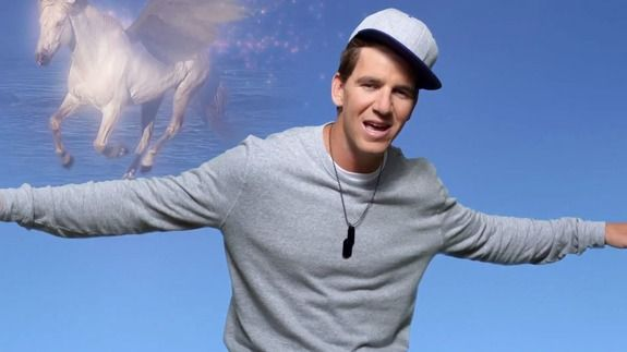 The Men's Sports Report: Peyton and Eli Manning Rap About Their Football Fantasy #elimanning #peytonmanning #directtv #menslifestyles