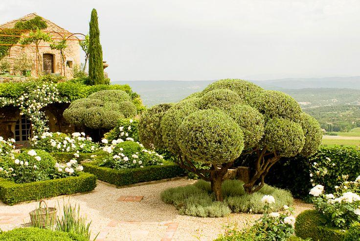 michel biehn avec jean-claude appy et marc nucera / le jardin provençal la carméjane, ménerbes
