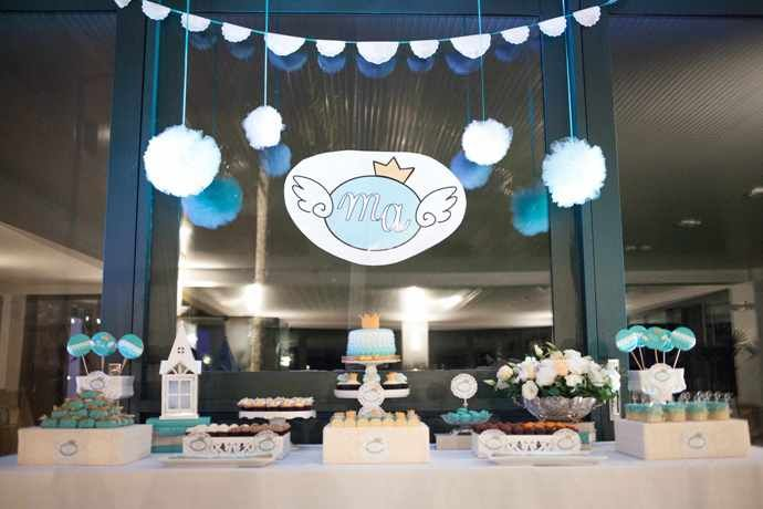 http://www.christeningideas.co.uk/christening-party-ideas/item/226-sweet-angel-themed-christening.html