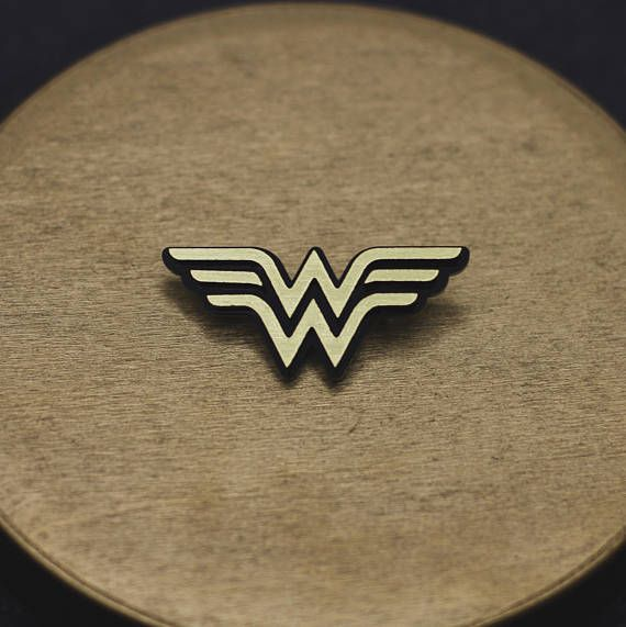 Wonder woman super hero acrylic pin brooch dc comics Diana