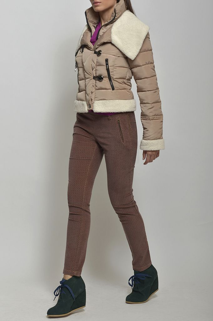 Puffy jacket with fake fur details/ Draped jersey blouse/ Printed skinny pant.