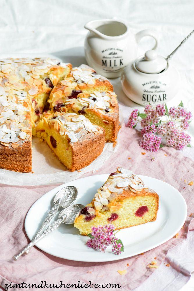 Kirschenkuchen mit Mandelblättchen