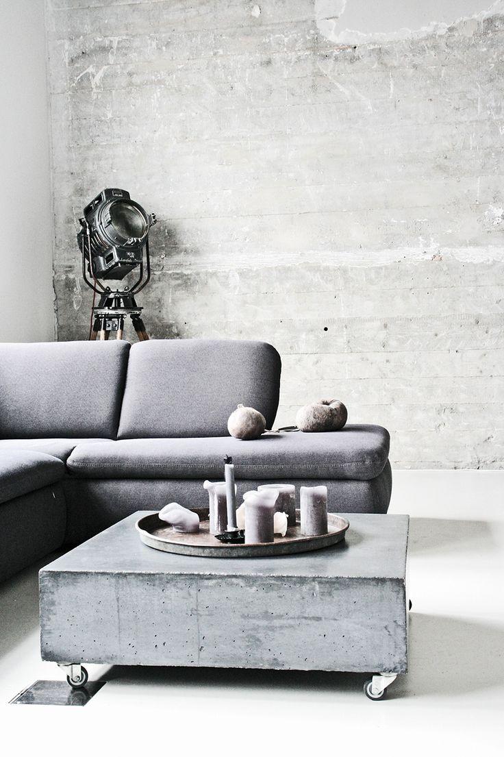 grey sittingroom barefootstyling.com