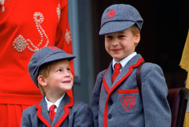 Beautiful picture of Prince Harry gazing adoringly at Prince William on the first day of school, 1989
