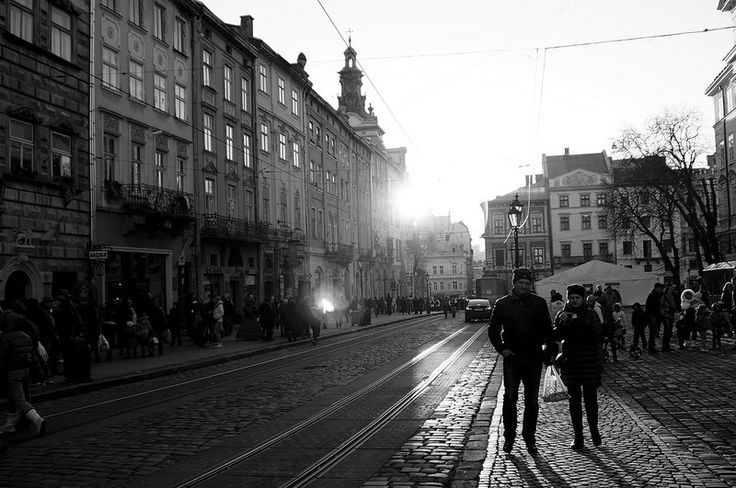 Evening at the Market Square I / Вечір на Площі Ринок I Lviv, Ukraine, October 2014.  Sony NEX-5N, Minolta AF 24-105mm F3.5-4.5 D