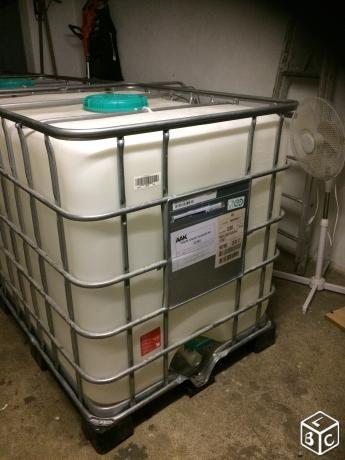 Cuve 1000 litres citerne récupérateur d'eau bidon
