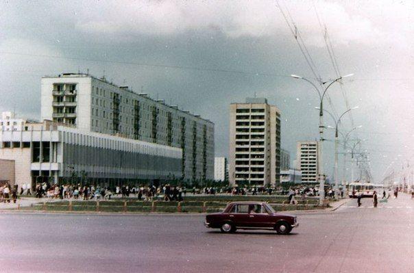 #togliatti #70s #sovmod #street #soviet #architecture