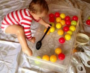 Indoor water play for babies and toddlers   BabyCentre Blog