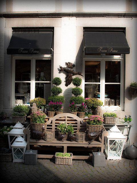 Symmetry (Maastricht, The Netherlands)