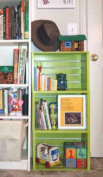 Libreria Colorata da Riciclo Cassette di Legno