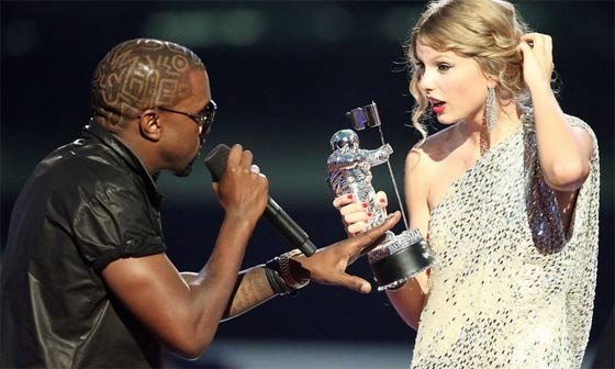 Kanye West and Taylor Swift - VMA's 2009..Embarrsing Moment...