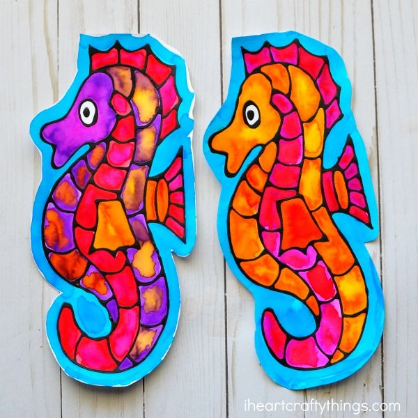 Stunning Seahorse Black Glue Craft | I Heart Crafty Things