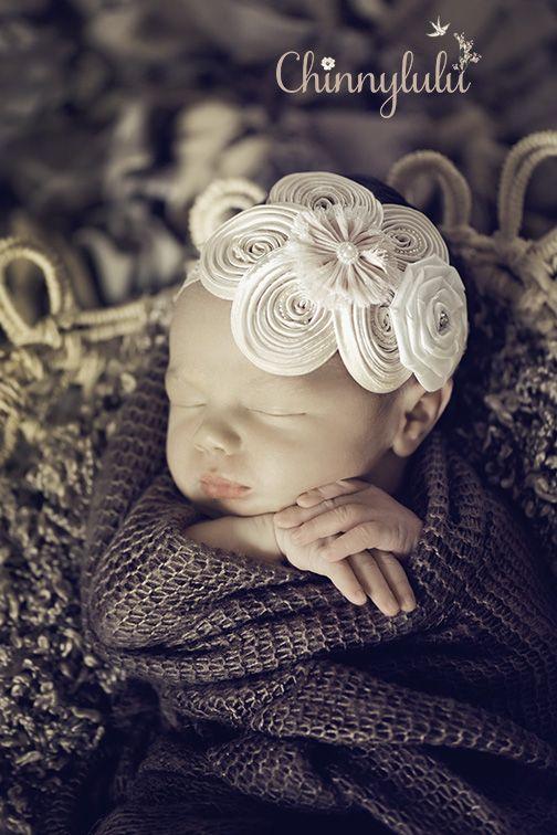 #newbornphotography #ocnewbornphotographer #ocnewbornphotography #chinnylulu #chinnylulunewbornphotography #newbornpose #babyheadband #7daysold