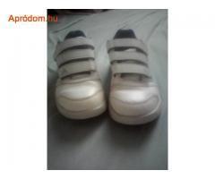 Elado hasznalt Adidas gyerek cipo.