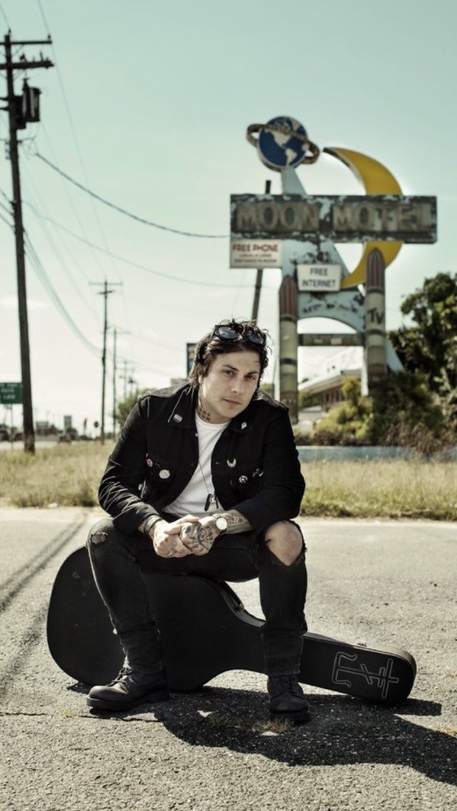 Frank Iero  photo by justin borucki