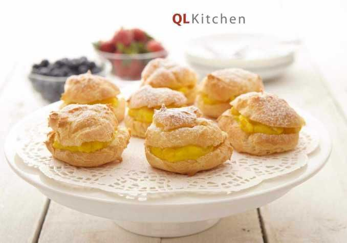 Always go crazy bout cream puffs. I'd absolutely getting my hands on this recipe.