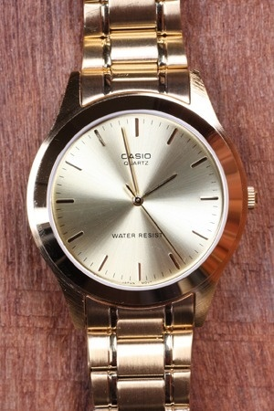 Casio Gold Face Analogue Classic Watch
