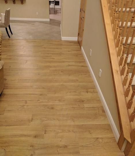 Pergo Outlast and Marigold Oak 10 mm Thick x 7-1/2 in ...