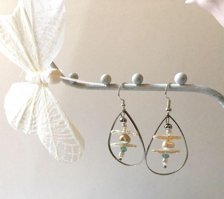 Boucles d'oreilles perles eau douce blanc nacré goutte argentée - idéales mariée cérémonie style épuré chic romantique de la boutique Ocelyane sur Etsy