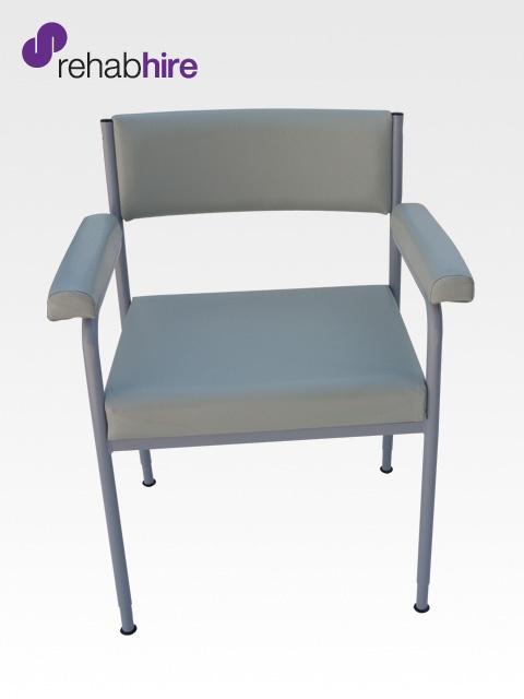 BAR210 / BAR211: Bariatric Low Back Day Chair