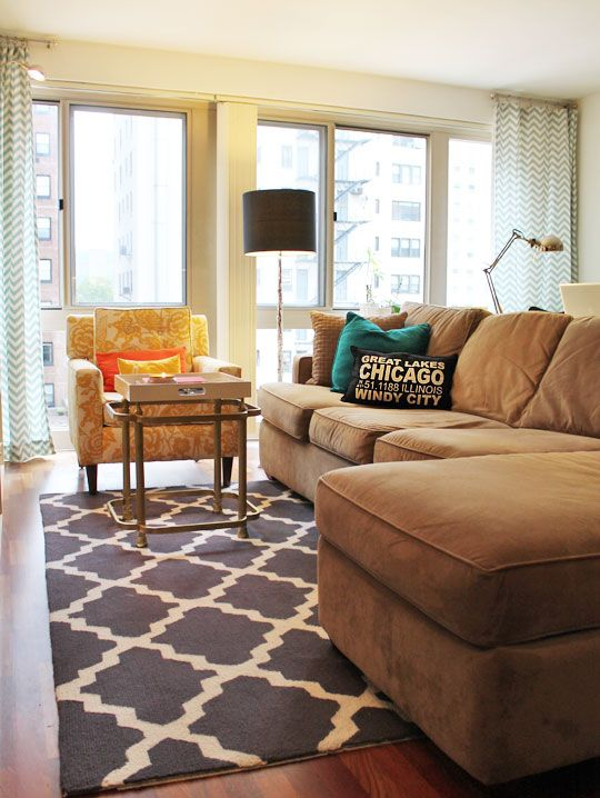 great small space. love the rug!House Tours, Curtains, Decor Ideas, Living Rooms, Livingroom, Glitter Guide, Apartments, Rugs, Yellow Chairs
