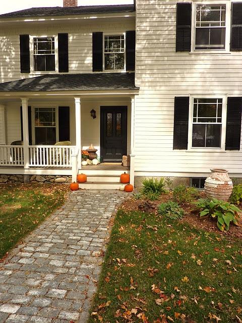 Best 25 cobblestone walkway ideas on pinterest stone for Cobblestone shutters
