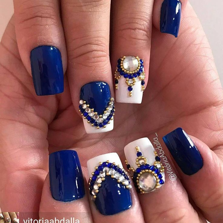 @Regrann from @vitoriaabdalla_ -  www.tatacustomizaçãoecia.com.br Pedrarias para compra acesse o site ⬆ #SIMONETIS #unhascoradas #feitocomamor❤  Azul maraaa ❤ - #regrann