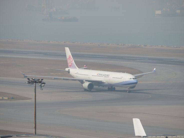 https://flic.kr/p/21h9fWn   B-18306   Type: passenger jet Airlines: china airlines Manufacturer: airbus Airbus A330 A330-300 A330-302 333 C      Y    Total 36   277   313 2x GE CF6-80E1A4 MSN: 675 First flight: 17 may 2005 Production site: Toulouse(TLS) Test registration: F-WWYU Delivery date: 08 jul 2005 Flight: CI909 from Taipei(TPE)